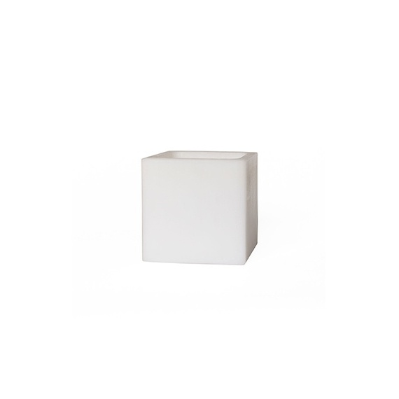 Square hollow candle - 16 x 16 x 16 cm. Height